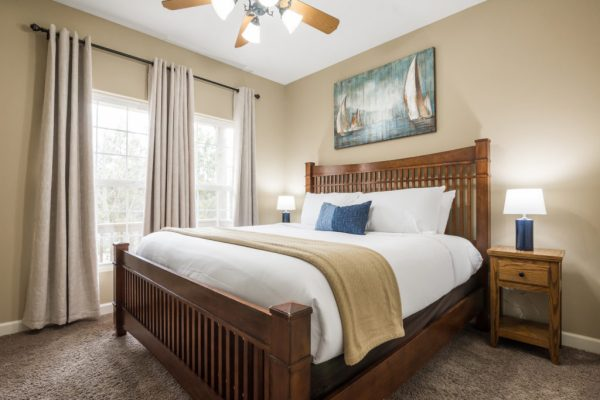 Canyon-Retreat-Vacation-Home-in-Branson-king-size-bed