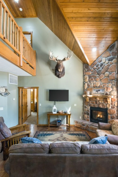 Royal Moose Lodge vacation rental home near Table Rock Lake and Silver Dollar City in Branson, Missouri
