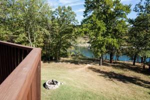 Branson-Vacation-Houses-Cedar-Cove-01a-1137