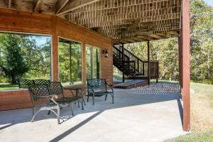 Branson-Vacation-Houses-Cedar-Cove-01b-1145
