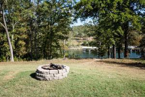 Branson-Vacation-Houses-Cedar-Cove-01c-1146
