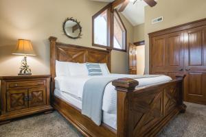 Branson-Vacation-Houses-Cedar-Cove-07-1020