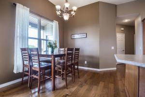 Majestic View vacation rental Branson and Kimberling City, Missouri - breakfast table