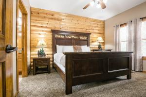 Branson-Vacation-Houses-Black-Bear-Lodge-04-1055