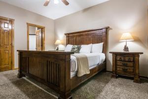 Branson-Vacation-Houses-Black-Bear-Lodge-13-1010