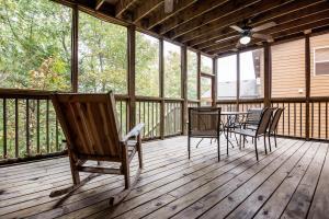 Branson-Vacation-Houses-Black-Bear-Lodge-19-1045