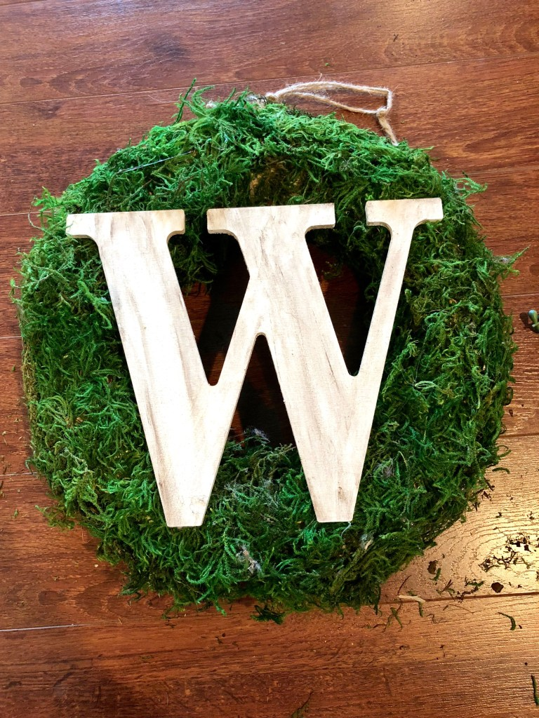 IMG 8930 768x1024 - Easy DIY Moss Wreath