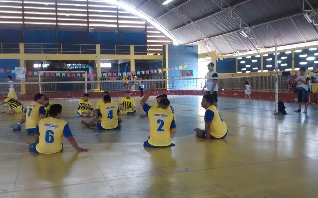 Novas camisetas para o time de vôlei sentado da ADEFIS – Santarém