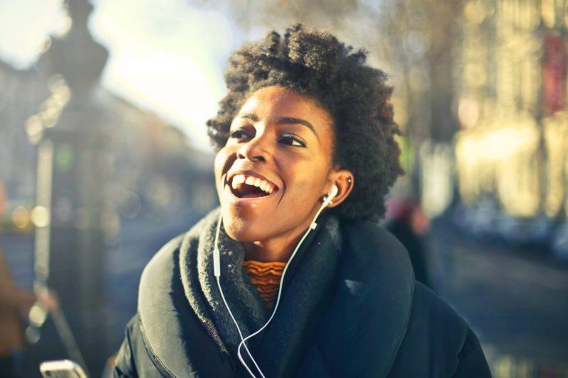 aprender ingles online com músicas - sing