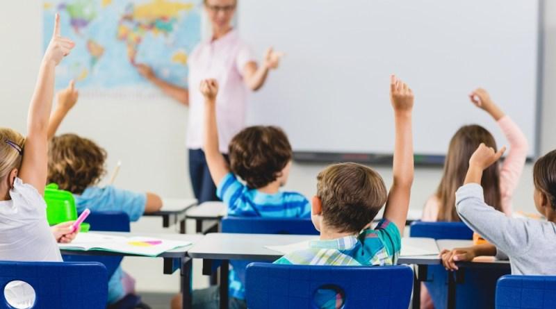Crianças em uma escola bilíngue.