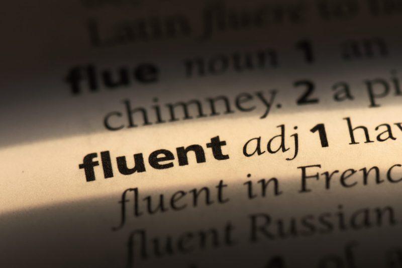fluent - ser fluente em inglês