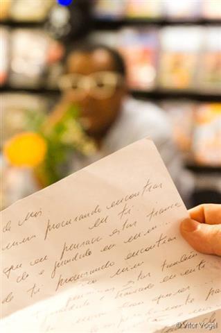 La palabra hablada se ve linda en papel también. Fotografía gentileza Vitor Vogel.