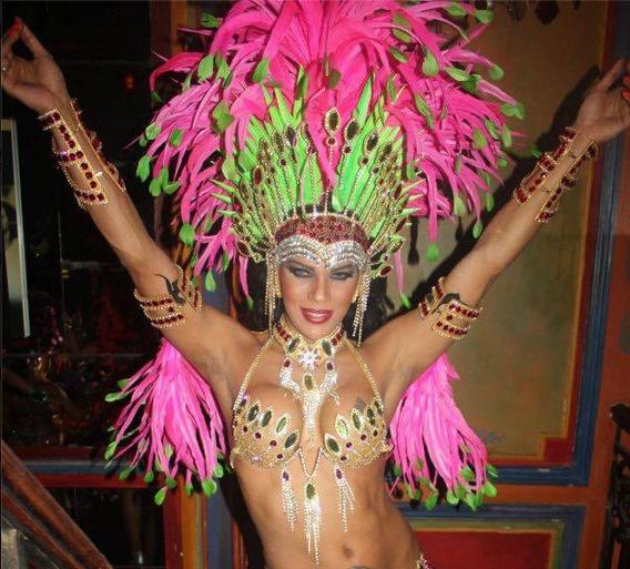 carnaval da stella rocha paris