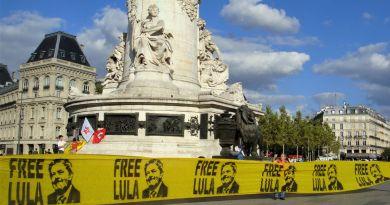 Rassemblements pour l'ex-Président Lula à Paris
