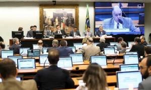 Zveiter não mudará voto pela admissibilidade de denúncia contra Temer; assista