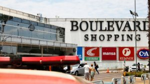 Tentativa de roubo por adolescentes em shopping da Asa Norte acaba com menor ferido