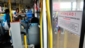 Lei dos assentos preferenciais no transporte público entra em vigor