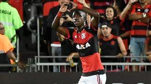 Flamengo bate Cruzeiro e segura lugar na zona da Libertadores