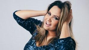 Adriana Samartini faz show no Pontão do Lago Sul