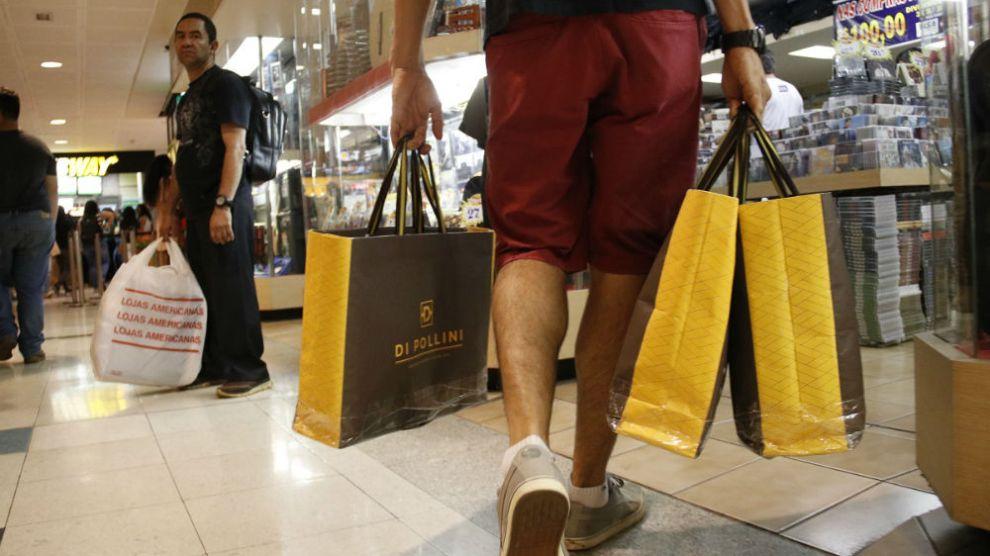 5f7419740 Roupas e calçados lideram compras por impulso, diz pesquisa ...