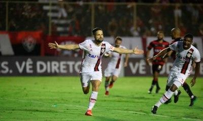 Flamengo vira aos 50 do 2º tempo e garante vaga na fase de grupos da Liberta