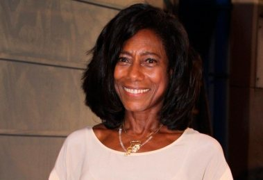 Gloria Maria vai receber famílias de refugiados para ceia de Natal em sua casa, no Rio