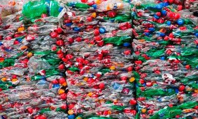 O plano da Coca-Cola para reduzir o impacto de suas embalagens