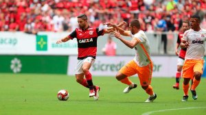 Com golaço de Rhodolfo no fim, Flamengo vence o Nova Iguaçu no Mané Garrincha