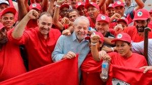 Lula conta com escolta do MST em caravana pelo Rio Grande do Sul