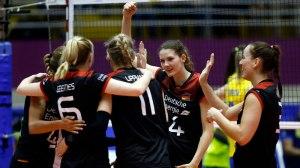 Sem ritmo, Brasil cede virada e cai para a Alemanha na estreia