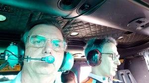 Presidente Jair Bolsonaro e governador Romeu Zema (à direita) sobrevoam área atingida por rompimento de barragem em MG. Foto: Divulgação/Presidência da República