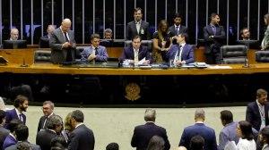 Justiça derruba suspensão, e Câmara paga R$ 16 milhões em auxílio-mudança para deputados
