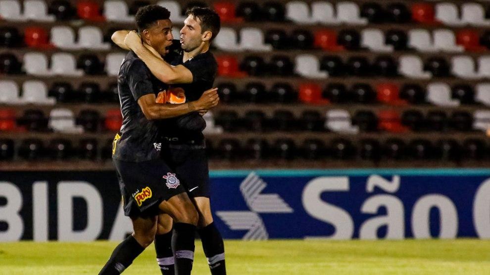 Boselli desencanta e dá vitória ao Corinthians