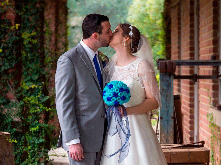 Buquê e adereços de casamento feitos em impressora 3D. Foto: Mark Pariani