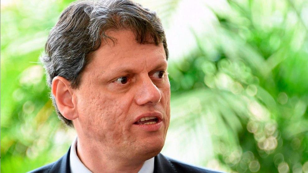 Ministro da Infraestrutura usa a imprensa para aterrorizar 800 funcionários da VALEC