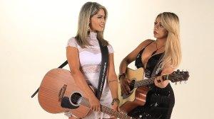 Dupla Paula e Paolla inaugura quinta-feira sertaneja no Metrô Lounge 201