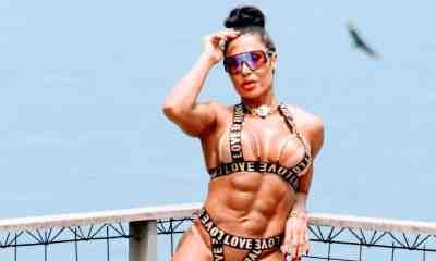 Gracyanne Barbosa faz ensaio em laje no Vidigal