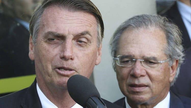 """Bolsonaro: """"Se eu entregar a cabeça do Guedes, a próxima vai ser a minha"""""""