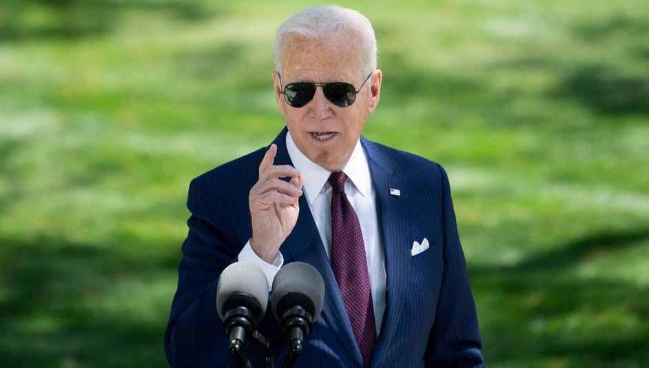 Biden apresenta plano trilionário de educação financiado por impostos aos ricos