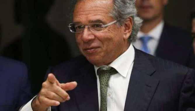 Paulo Guedes levou filha em voos oficiais, diz site investigativo