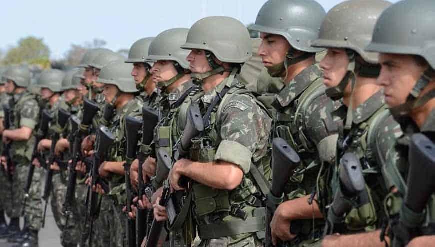 Filhas de militares recebem pensão e têm empresas milionárias, diz site