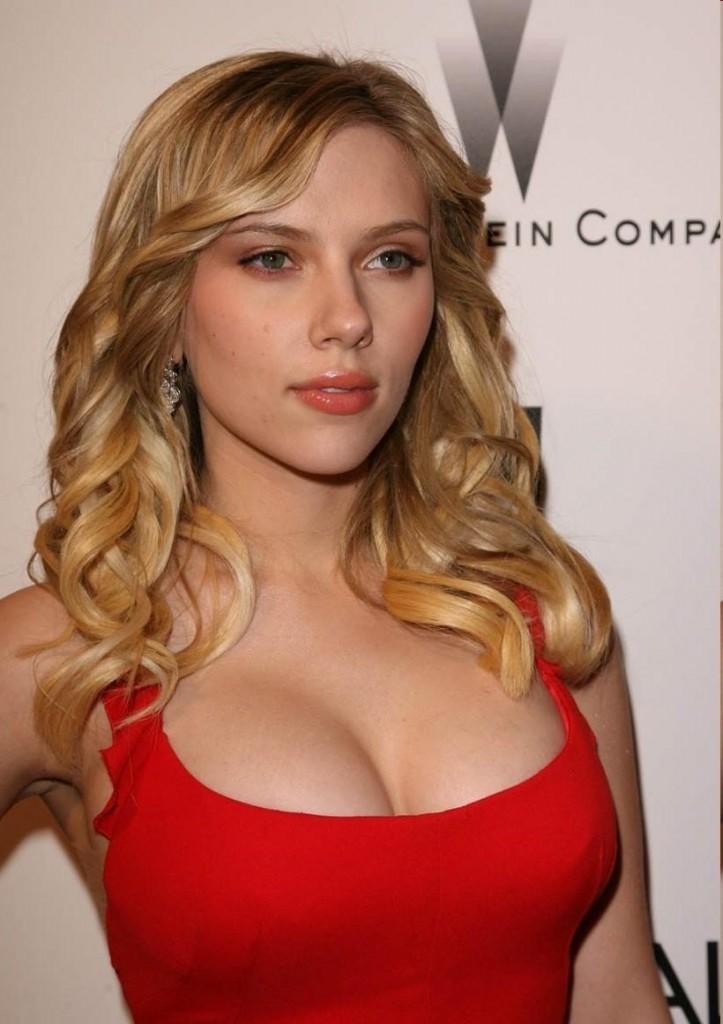 Scarlett Johansson Bra Size