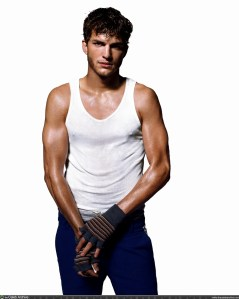 Ashton Kutcher Biceps Size