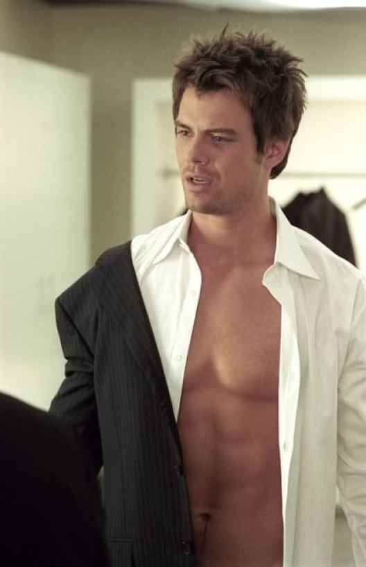Josh Duhamel Chest and Biceps Size