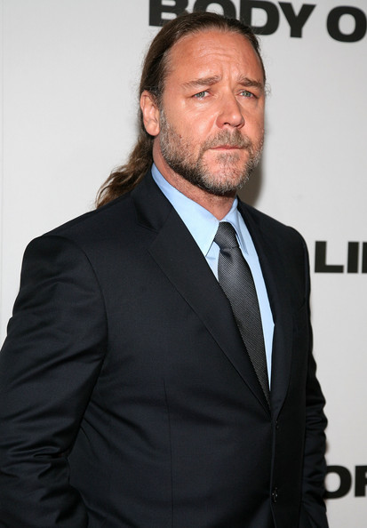 Russell Crowe Biceps Size