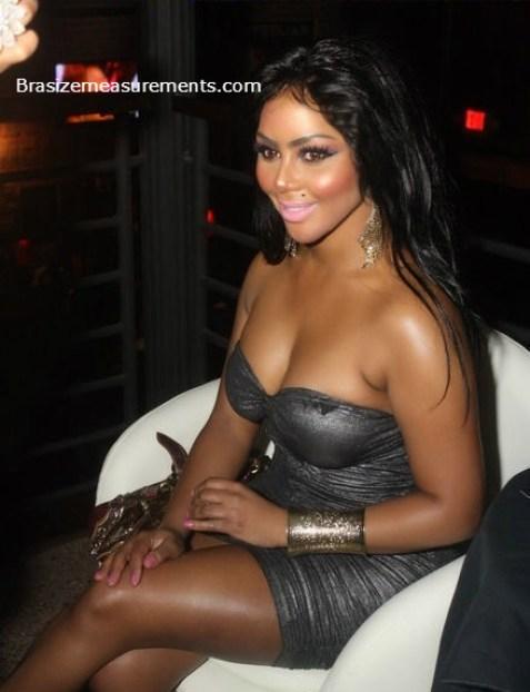 Janet Jackson Bra Size