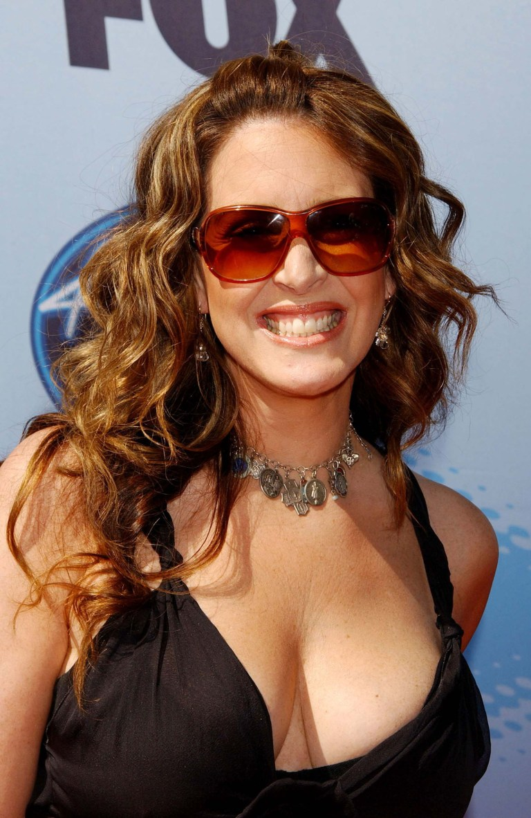 Joely Fisher Bra Size