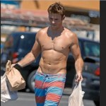 Scott Eastwood Biceps Size and Body Measurements