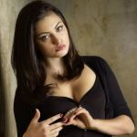 Phoebe Tonkin Bra Size and Body Measurements