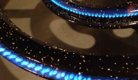La première flamme du brûleur à gaz 15kW utilisé pour l'empâtage comme pour l'ébullition